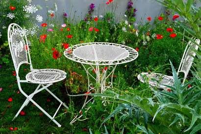 Viel Spaß und schöne Stunden mit und auf unserer Gartengarnitur. Ein wunderschönes Foto. ❤️