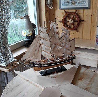 Lieber Kunde, herzlichen Dank für das wunderschöne Foto mit unserem Segelschiff. ❤️ Das hat uns sehr gefreut ! Wir wünschen Dir alles Gute für die Zukunft. Lass es Dir gut gehen. Die Brüder Eric & Thomas