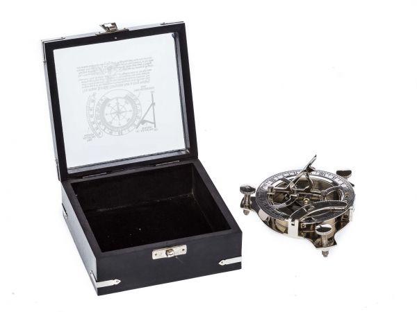 Kompass mit Holzbox Sonnenuhr Maritim Nautik Schifffahrt Navigation antik Stil