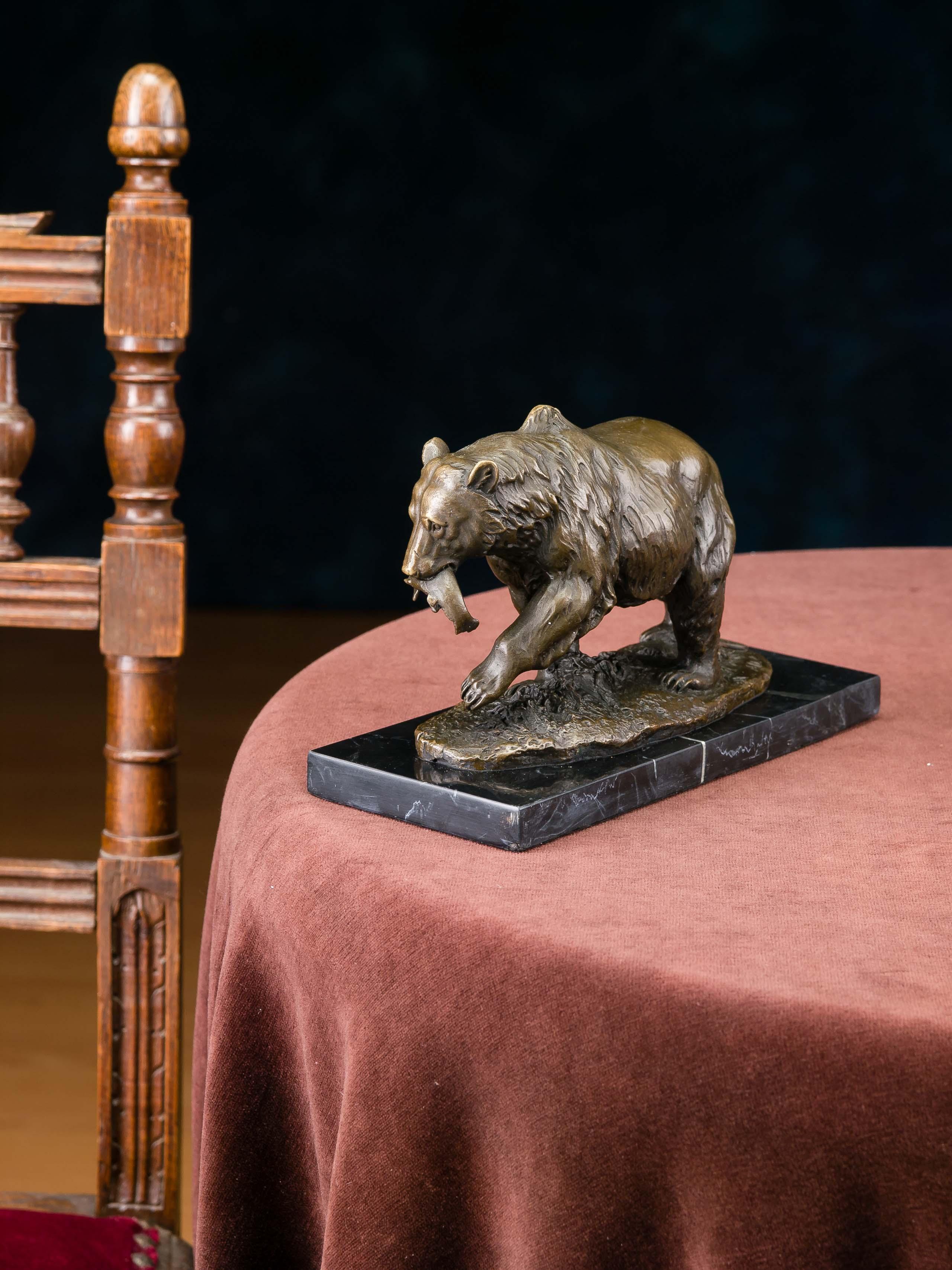 Bronzeskulptur Grizzly Bär Fisch Bronze Bronzefigur Skulptur Antik-Stil