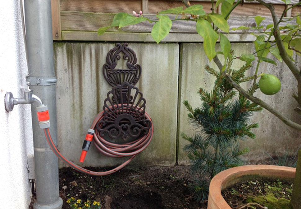 Herzlichen Dank liebe Kundin, für das tolle Foto unsereres Schlauchhalters. Sieht toll aus in Ihrem Garten. ❤️