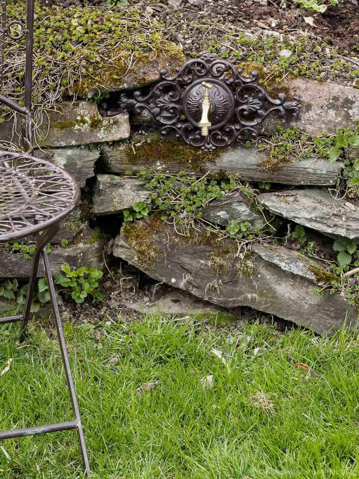 Nostalgie Wasseranschluss Zierrosette Eisen Wasserhahn Garten Haus