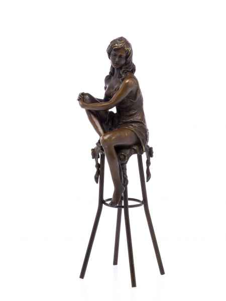 Bronzefigur Frau auf Barhocker Akt erotische Kunst Bronze Skulptur sculpture