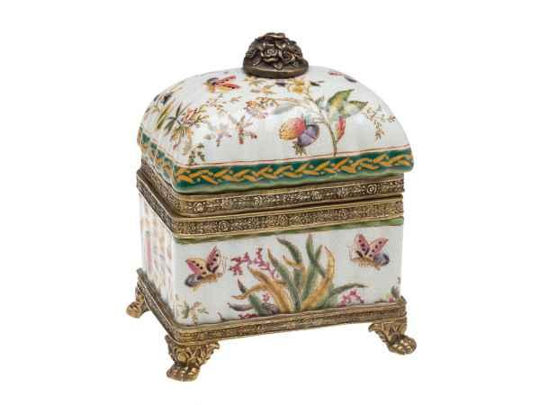 Dose Deckeldose Porzellan mit Blume und Schmetterling Löwentatzen porcelain