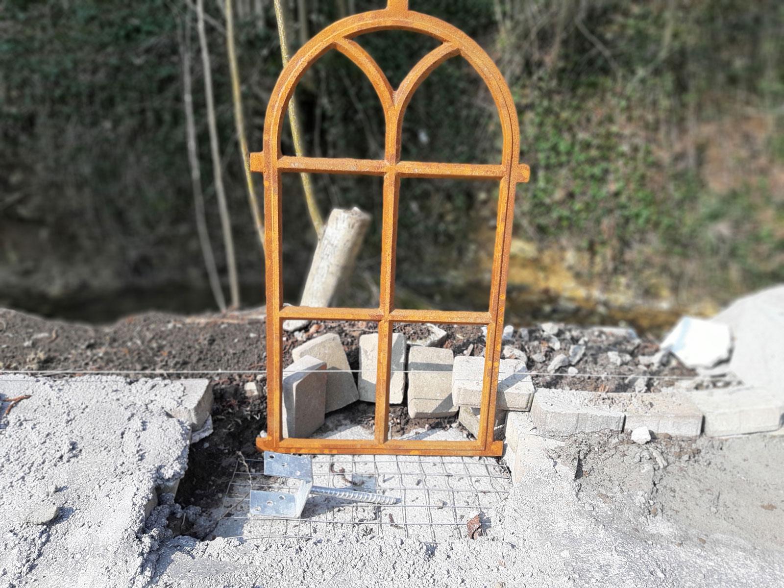 Herzlichen Dank lieber Richi, für das tolle Foto unseres Eisenfenster welches Du in unserem Ebay Shop erworben hast. Wir wünschen Dir viel Freude damit und sind schon sehr gespannt wie sich das Bauprojekt entwickelt.❤️