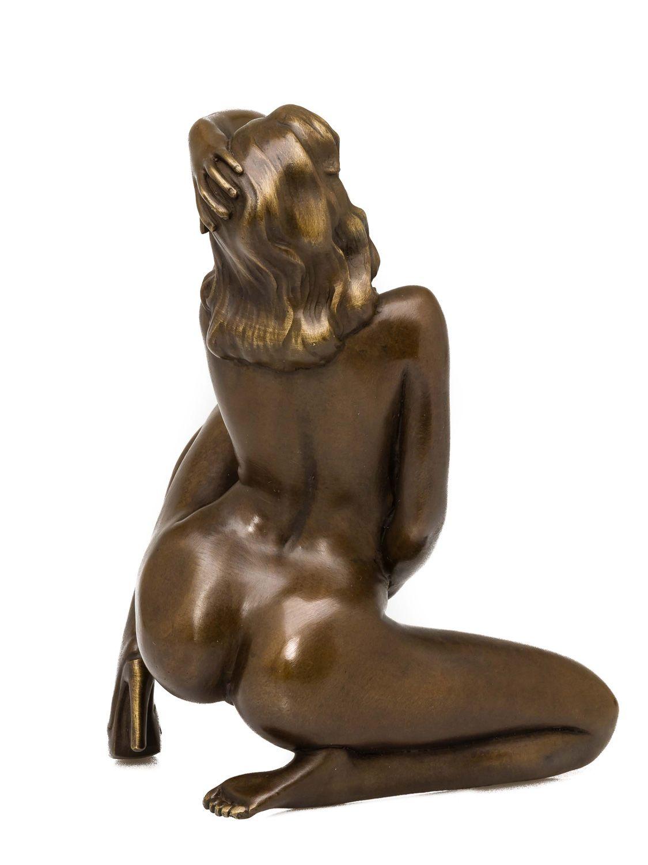 Erotic gay naked men