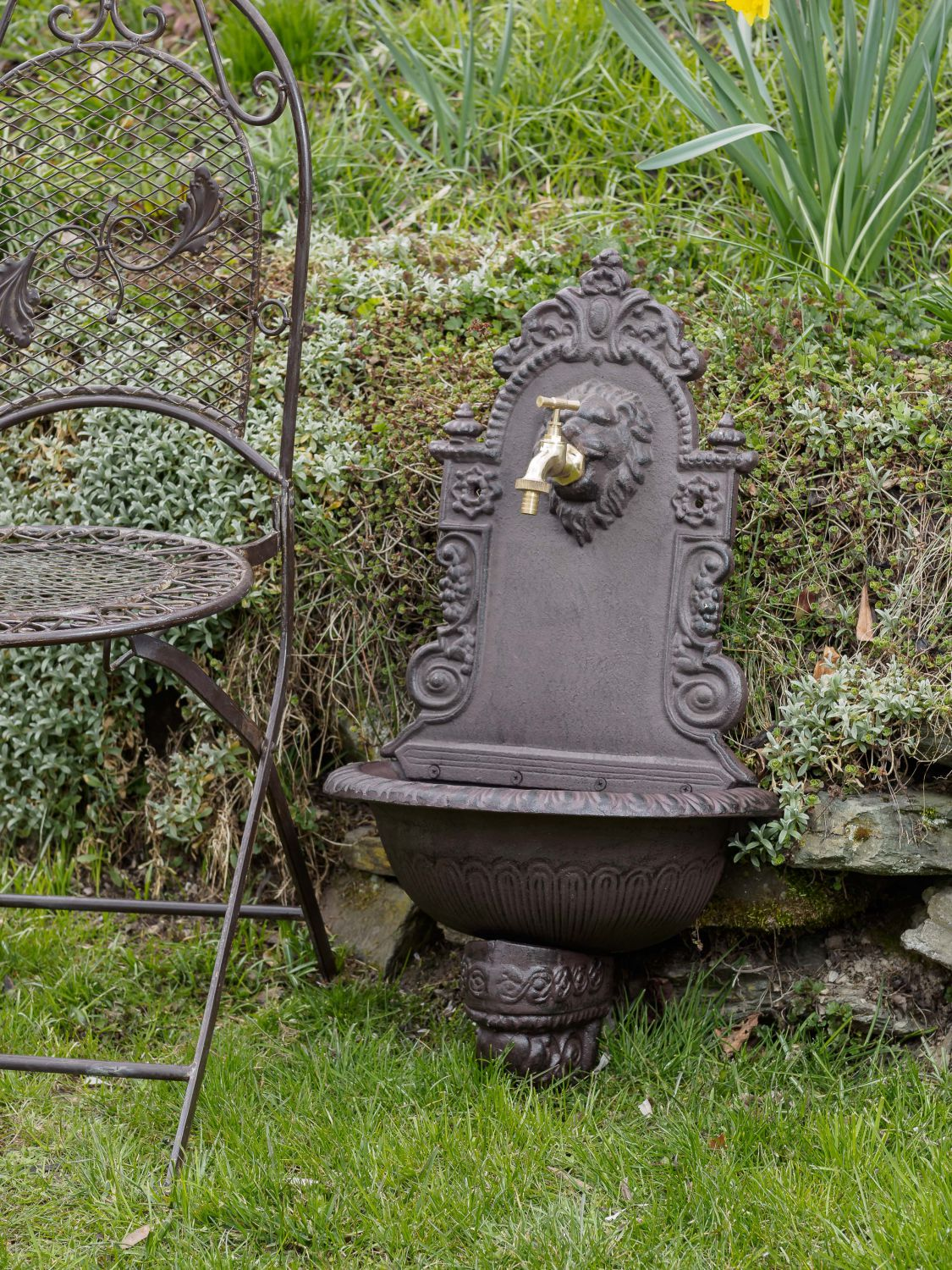 fontaine murale de jardin avec vasque style antique fer motif lion marro ebay. Black Bedroom Furniture Sets. Home Design Ideas