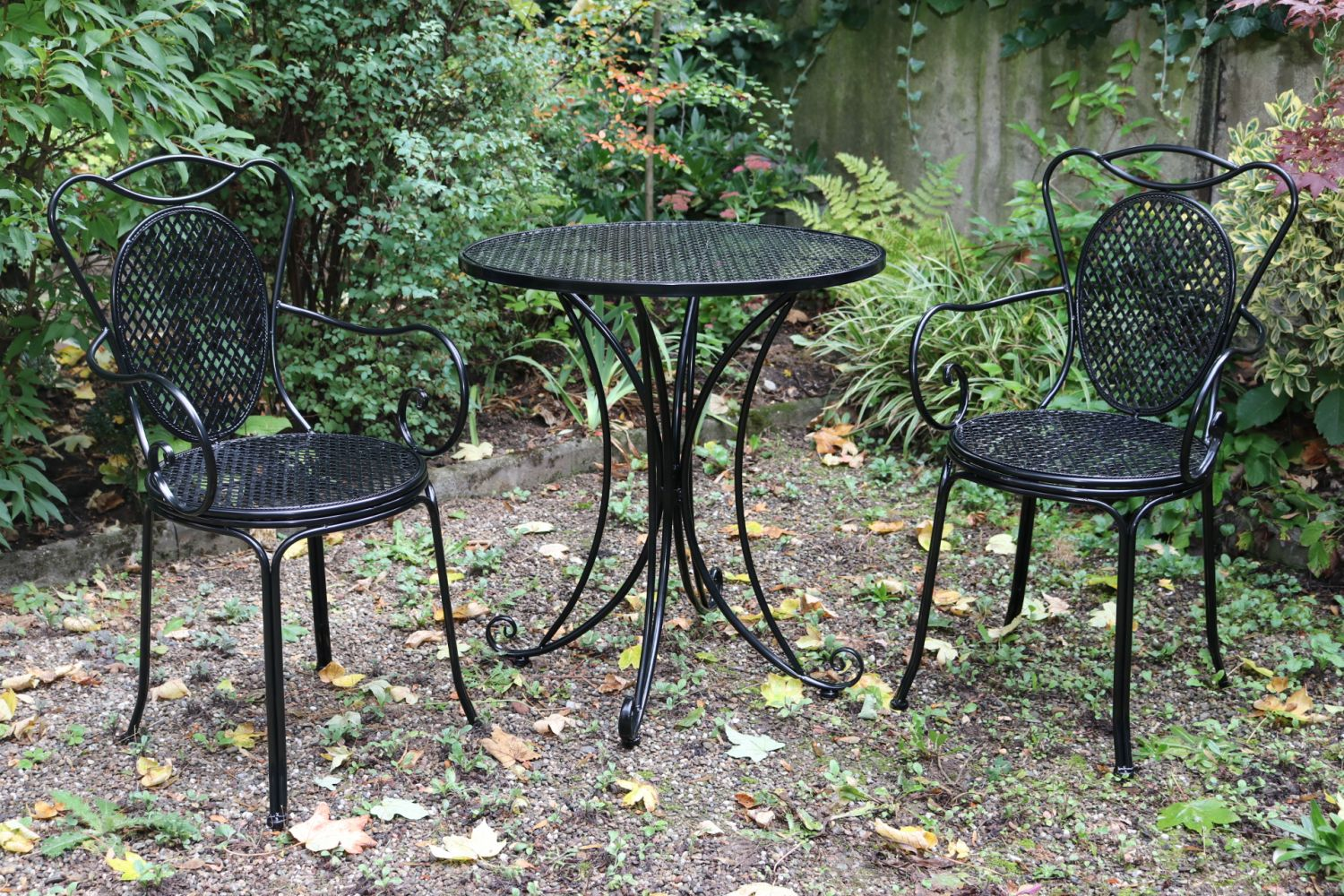 Garden furniture set table 2 chairs black antique style metal ebay Vintage metal garden furniture