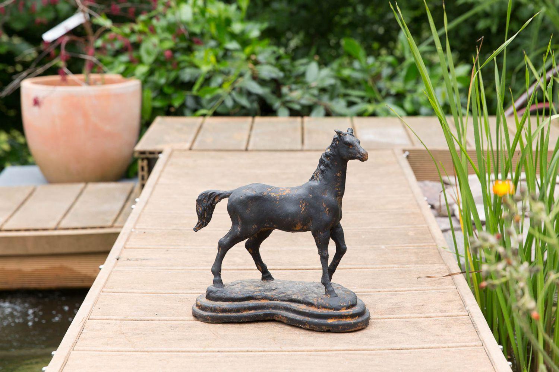 Skulptur Pferd auf einer Plinthe Figur Eisen 4,6kg Garten sculpture ...