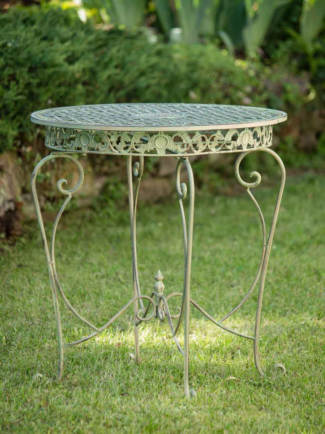 gartentisch in hellem creme gr n tisch garten eisen antik stil garden table iron ebay. Black Bedroom Furniture Sets. Home Design Ideas