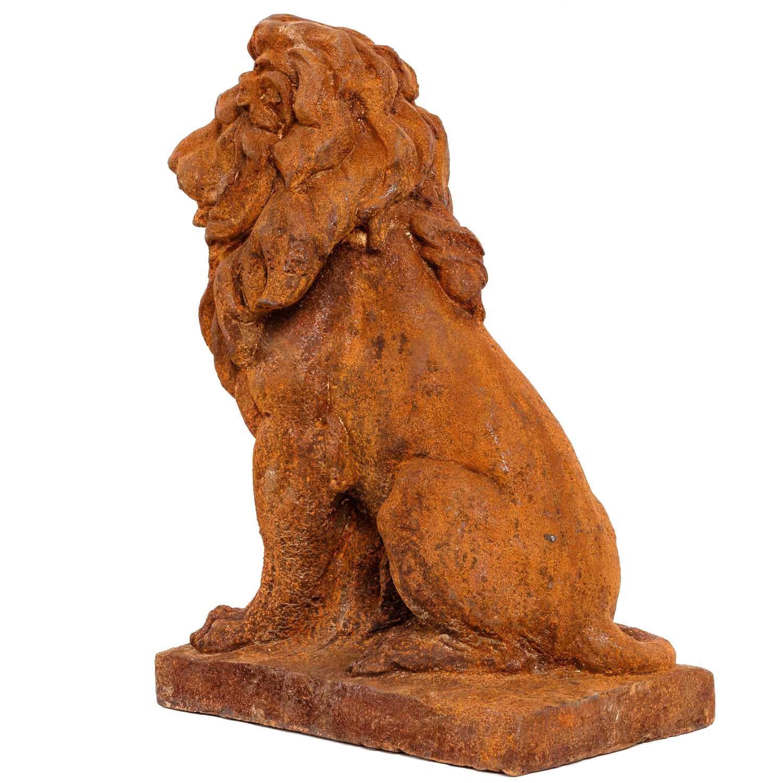 Old Garden Statue: Garden Figure Left Sculpture Statue Lion Garden Iron Rust