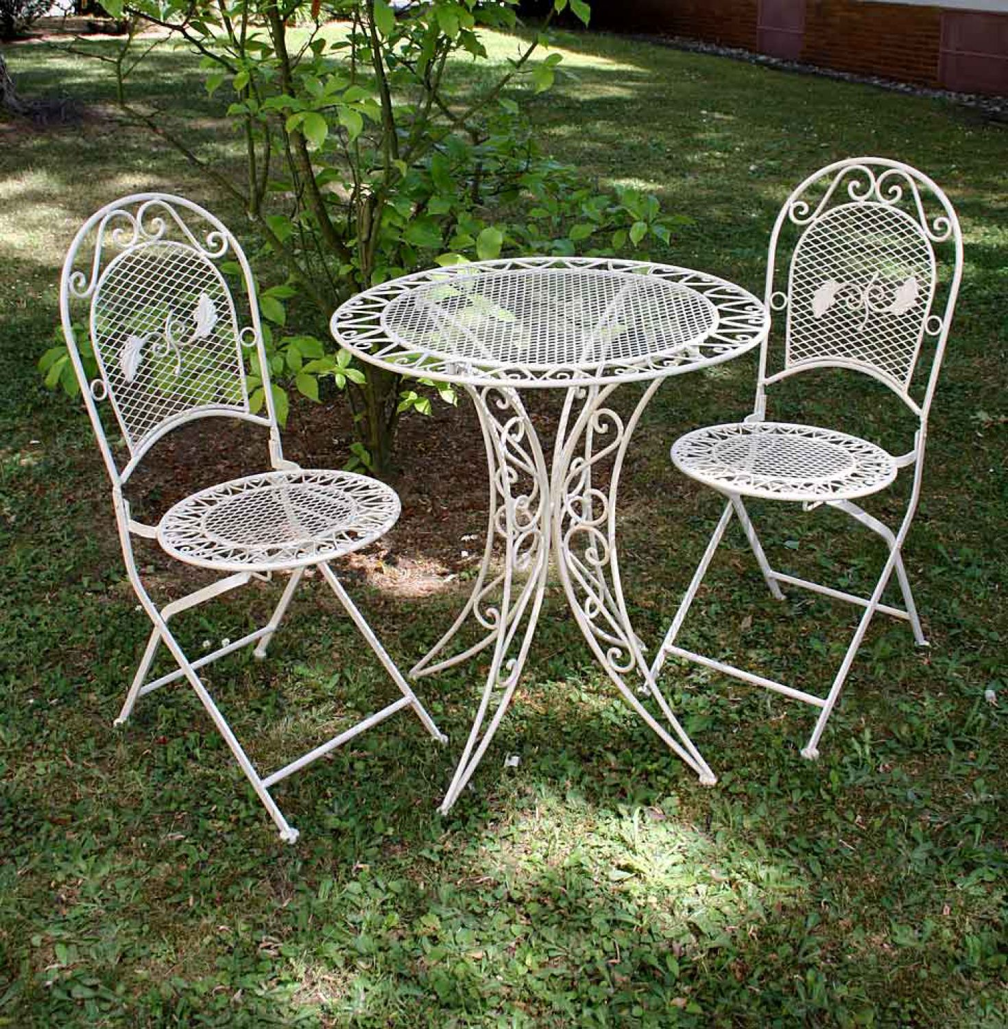 Outdoor Iron Table And Chair Set: Vintage Garden Furniture Set